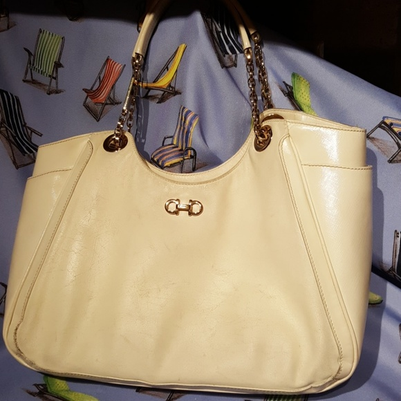Salvatore Ferragamo Vintage Leather Handbag. M 5b88bed934a4ef2545d78727 84cbb0aedd